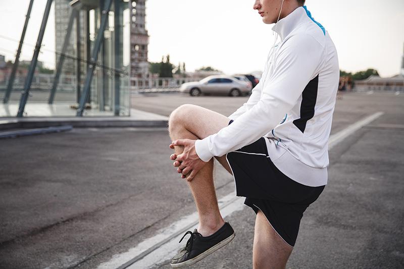 Calentar y estirar antes de hacer running