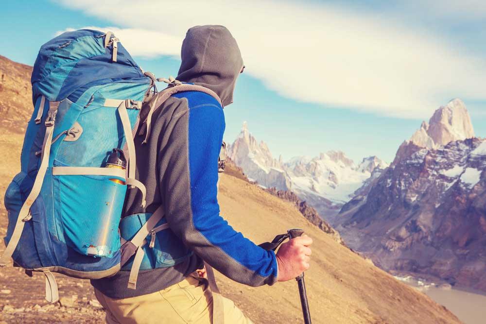 mochila trekking montaña invierno